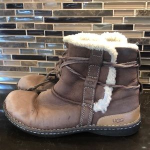 UGG tan sheepskin lined leather booties